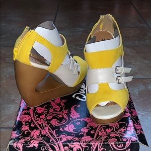 Yellow and white wedges